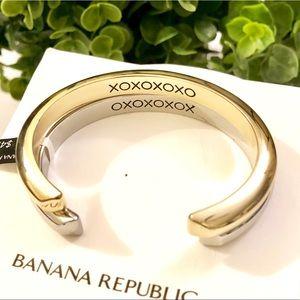 """BANANA REPUBLIC """"XOXO"""" engraved silver/gold bangle"""